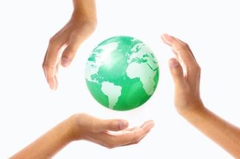 地球と手.jpg